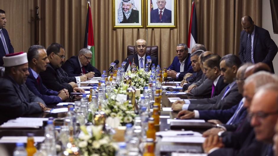 Kabinettssitzung unter Leitung von Ministerpräsident Rami Hamdallah