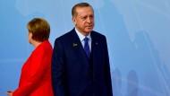 Verzweifelte Suche nach einem Ausweg: Merkel und Erdogan auf dem G-20-Gipfel im Juli in Hamburg