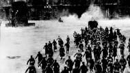 Mit der Einnahme des Winterpalais in St. Petersburg am 7. November 1917 sicherten sich die Bolschewiken die Macht in Russland.