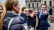 """Held der akademischen Rechten: Thierry Baudet warnt vor der """"homöopathischen Ausdünnung"""" des niederländischen Volkes - bei der Jugend kommt das gut an."""
