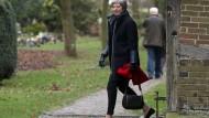 Wohin wird es gehen? Theresa May am Sonntag beim Verlassen der Kirche in ihrem Wahlkreis.