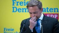 Als erster aufgestanden: der FDP-Vorsitzende Christian Lindner nach Abbruch der Jamaika-Sondierungen am Montag in Berlin