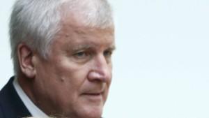 """Seehofer hält Kanzlerkandidaten-Debatte für """"Käse und Quatsch"""""""