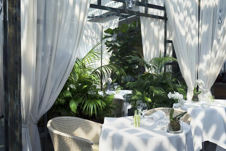 Das Restaurant La Grande Limonaia ist für die Öffentlichkeit zugänglich und bietet leichte mediterrane Küche.