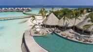 Viel Wasser, viel Sonne, wenig sonst: Das Resort Milaidhoo ist luxuriös, trumpft damit aber nicht auf.