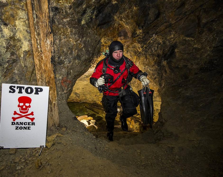 Vorkenntnisse im Höhlentauchen sind hier unbedingt erforderlich.