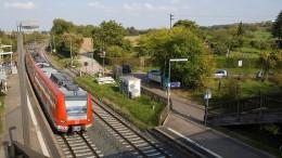 Mann von S-Bahn angefahren und schwer verletzt