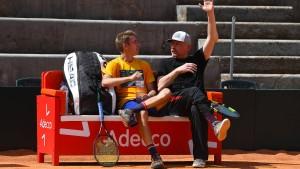 Boris Becker zwischen Hand anlegen und Hand auflegen