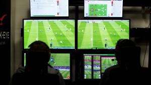 Kein Videoschiedsrichter in der Champions League