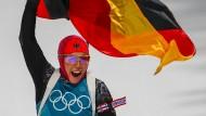 Wer soll Laura Dahlmeier nur schlagen? In Pyeongchang holt sie ihre zweite Goldmedaille im zweiten Rennen.