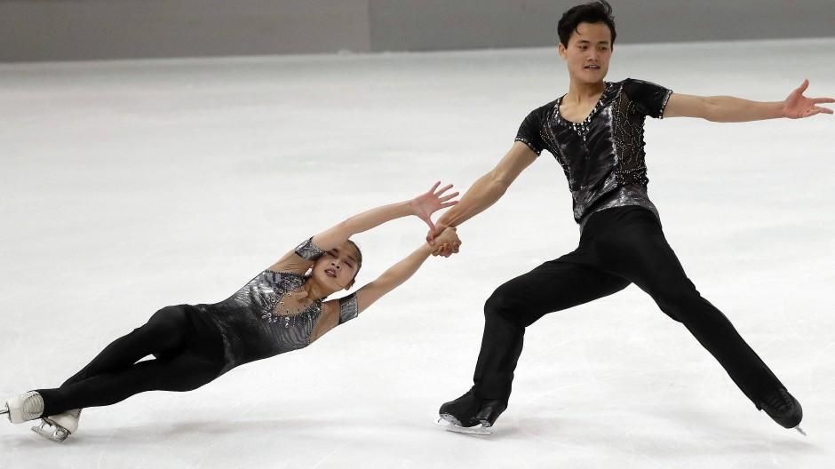 Gegen die Fliehkräfte: Das Paar aus Nordkorea könnte olympische Geschichte schreiben