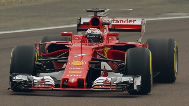 Vettels Ferrari ist da