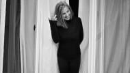 Über den Dächern von Schwabing: Gabriele Strehle, die über Jahrzehnte die Modemarke Strenesse mit aufbaute, entwirft nun eine eigene kleine Kollektion.