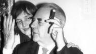 Erst die Hochzeit, dann die Taschen: Lore und Ferdinand Kramer im Jahr 1965.