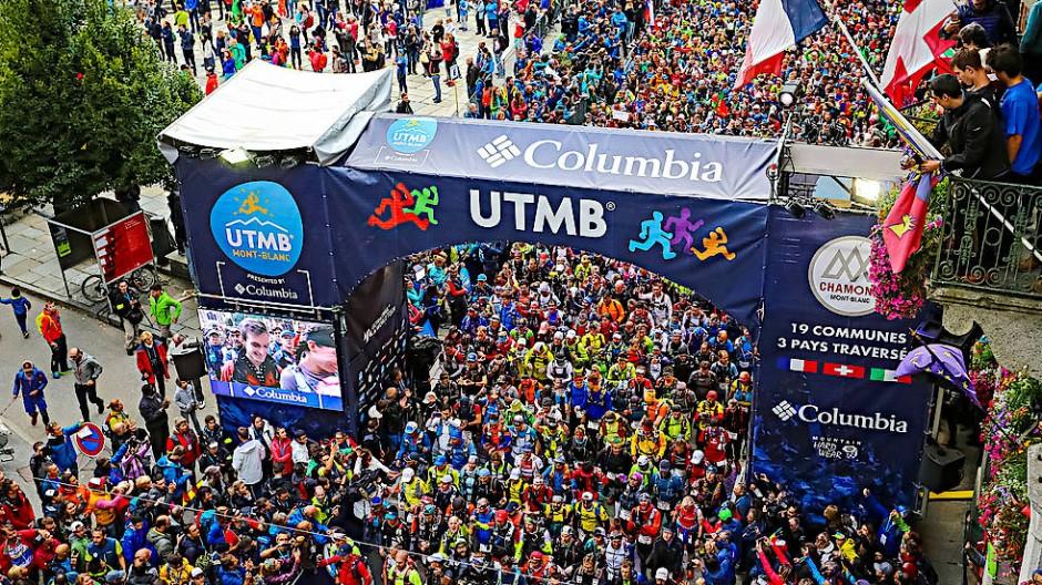 Alles in allem versammeln sich 8000 Teilnehmer, dazu Zehntausende Begleitpersonen und Besucher.