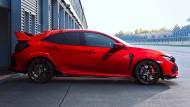 Type R haben sie auf den Civic geschrieben, die Scherzbolde von Honda. Steht das für Racing? Und für wen sind solche Modelle gemacht?