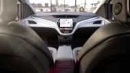 Ohne Lenkrad, ohne Pedale: Blick in das selbstfahrende Auto
