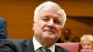 Horst Seehofer bekommt die meisten der neuen Stellen.