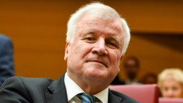 Seehofer will Schengen-Abkommen aussetzen