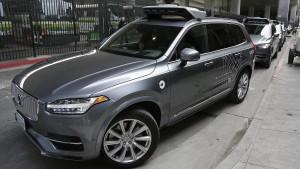 Uber lenkt im Streit um Roboterwagen ein