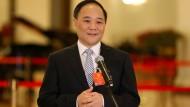 Der chinesische Unternehmer Li Shufu hat Geely gegründet und ist der größte Daimler-Aktionär mittlerweile.