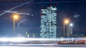 Warum die EZB Verbotenes tut