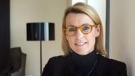 """Investmentbankerin Dorothee Blessing hat 20 Jahre für Goldman Sachs gearbeitet. Heute steht sie in Diensten von J.P. Morgan, wo sie als """"Regional Head"""" das Geschäft in Deutschland, Österreich, Schweiz, Irland, Israel und Skandinavien verantwortet."""