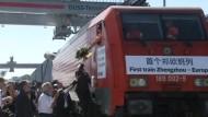 Güterverkehr soll Waren schneller transportieren als Containerschiffe.