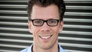 Der 36-jährige Jan Bechler ist CDO bei Thjnk. In Abstimmung mit dem Führungskader der Agentur bringt er die digitale Transformation der Unternehmensgruppe voran.